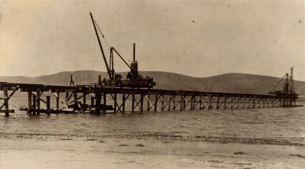 Construction of the Knysna Estuary bridges before the opening of the George-Knysna Line (an image from 1926 or 1927)